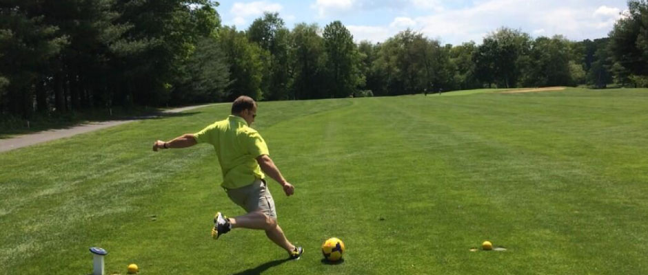 FootGolfer-Kick